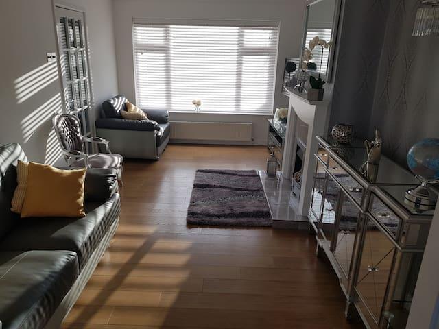 Maxi's Home