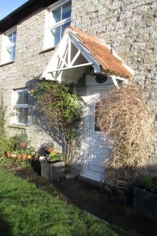 Quiet Retreat (20 mins. to Yeovil, Glastonbury)