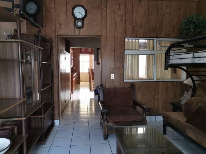 Rento céntrica casa amueblada, mínimo 5 dias