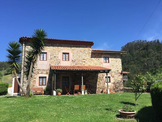 La Casa del Texu, Casa de Aldea (CA-227)