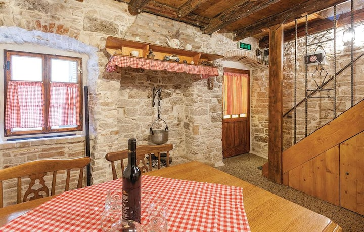 One bedroom apartment with terrace Fažana (A-12187-a)