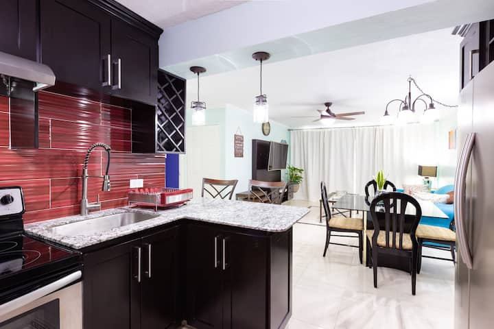 Modern and Homely| New Kingston, Spacious 2 b/2 b