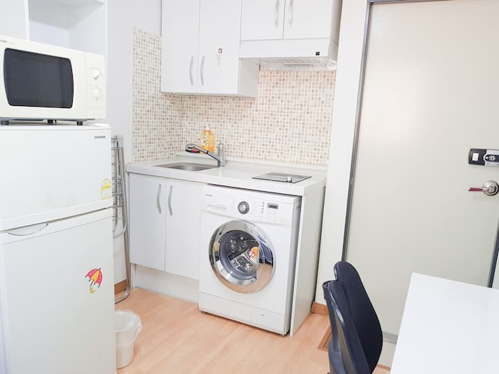 Single studio-8min Wangshimni station, near HYU