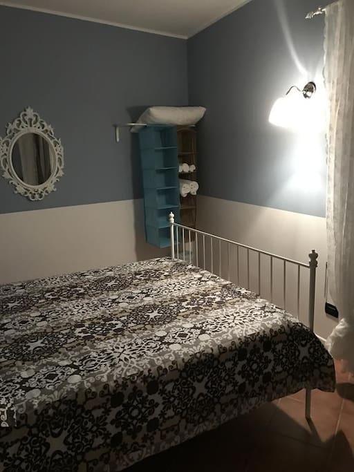 Altra foto della stanza da letto matrimoniale con vista panoramica mozzafiato direttamente sulla Piazza San Domenico