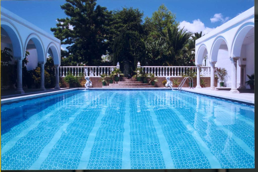 Villa del manzano a 15 minutos de sevilla centro casas for Alquiler sevilla centro