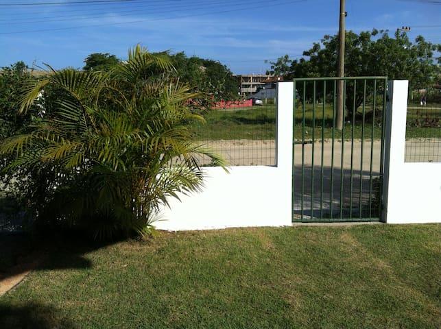 Jardim, entrada