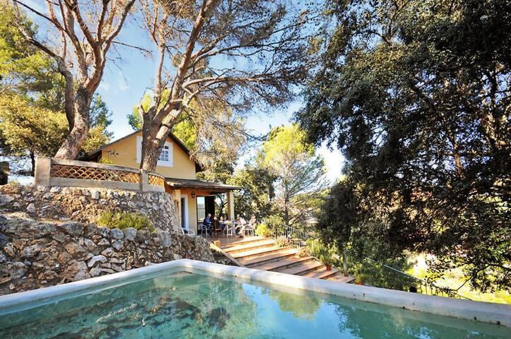 Herrliches Haus mit Pool