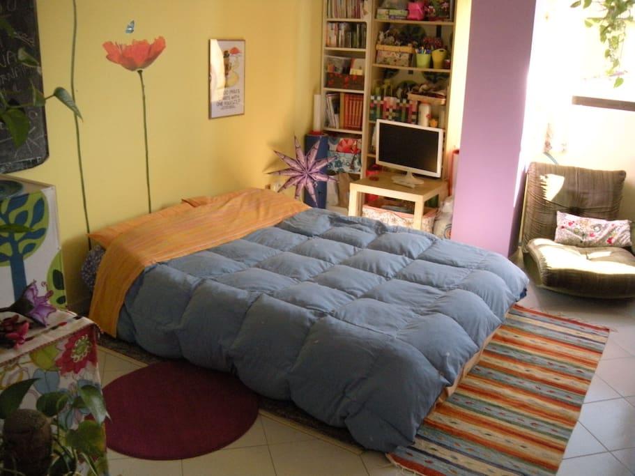 Il letto matrimoniale (materasso gonfiabile comfort di buona qualità)