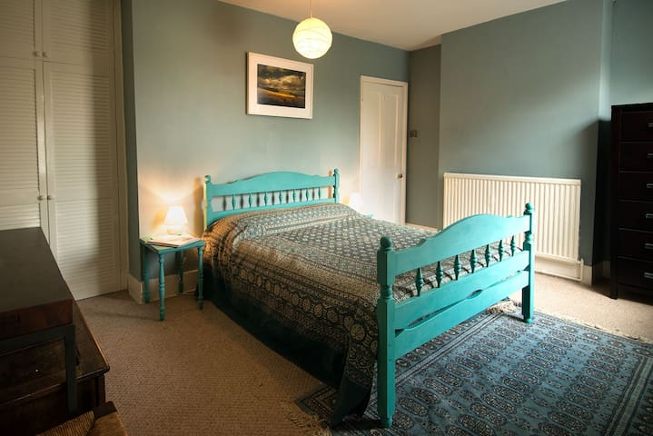 Double room with ensuite, close to everything! - Rye - House