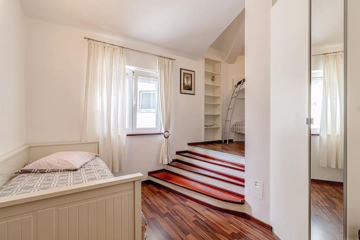 Bedroom #3 (200x160)