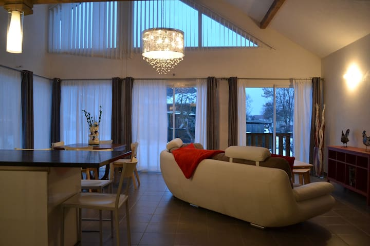Beautiful House in Quiet Neighborhood - Annecy-le-Vieux - Huis