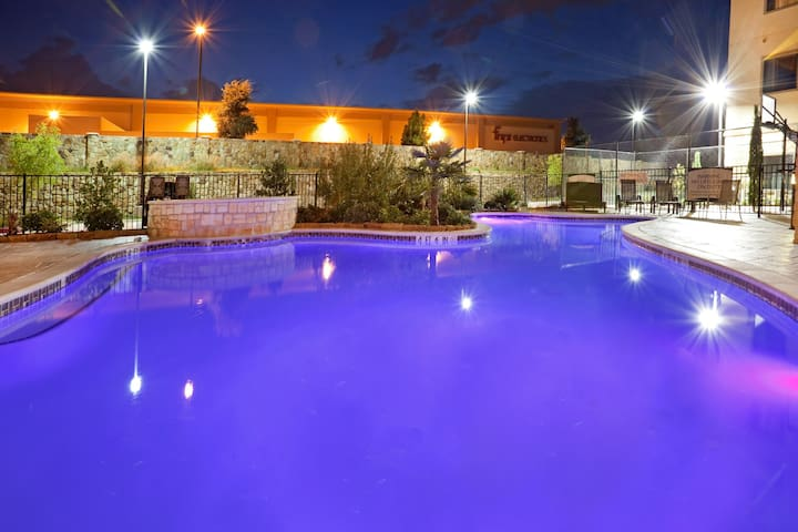 Outdoor Pool + Hot Tub + Free Breakfast | 24 Hour Business Center
