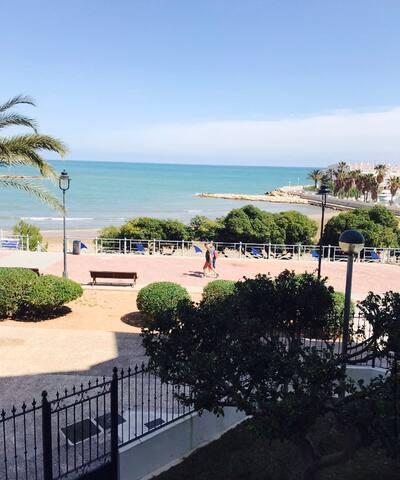 Piso en 1ª linea de playa Las Fuentes (Ref.248)