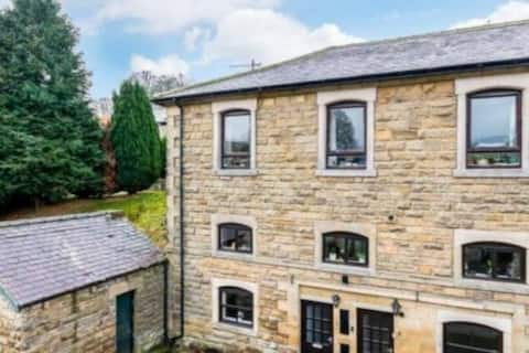 Ground floor flat in the heart of Pateley Bridge.