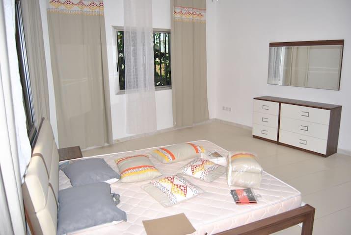 3 chambres salon aux Almadies avec salle de gym - Dakar