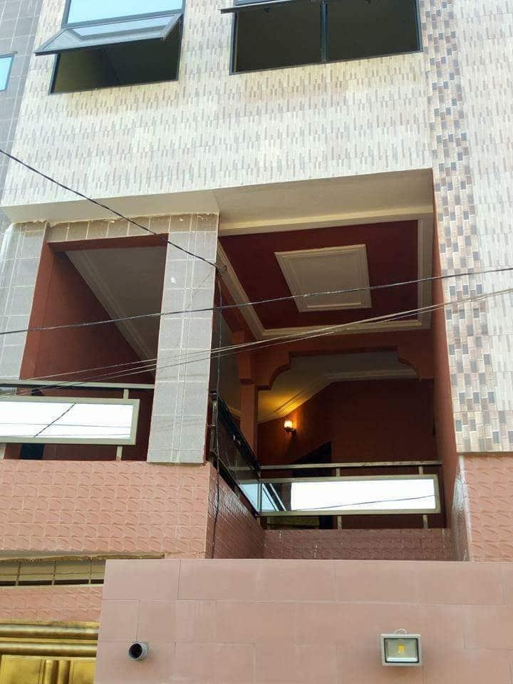 Immeuble bien situé et propre . Prix abordable