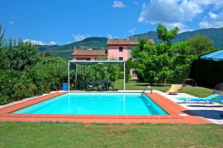 Exclusive villa, huge swimming pool and garden! - Capannori