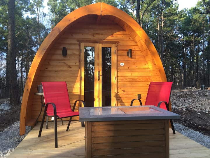 "Iris Hill Glamping - "" Ginny"" pod - 5th night FREE"