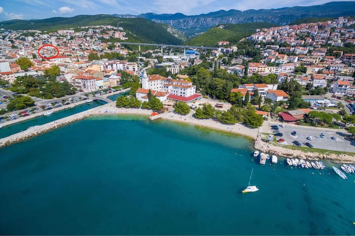 apartment for 2 persons in Crikvenica R48386