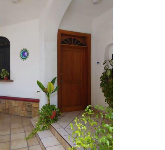 Charming home perfectly located :) - Colima - Casa