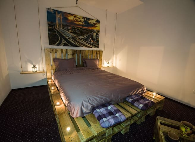 Green Studio - 40sqm with King Bed