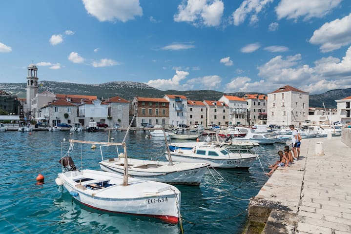Apartment Porat- in the stone house on the sea
