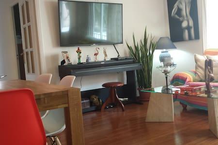 Habitación confortable en Palma con salón privado