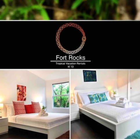 Fort Rocks Guesthouse - 2Bed/2 Bath - Hidden Gem