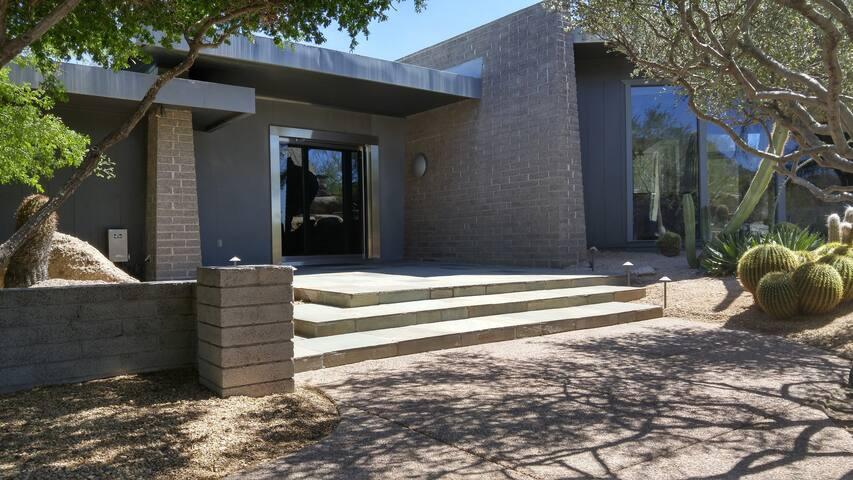 Prestigious modern home