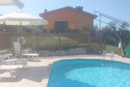 Villa Del Monte - Camaiore, Santa Lucia