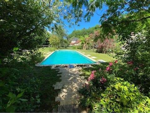 Chalet 4p, piscine, dans un Ecrin de Nature