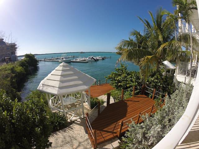 Villa BB1 February Point Resort - George Town - Vila