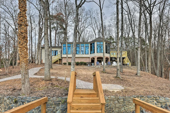 NEW! Luxe Lake Wylie House w/ Dock + Water Views!