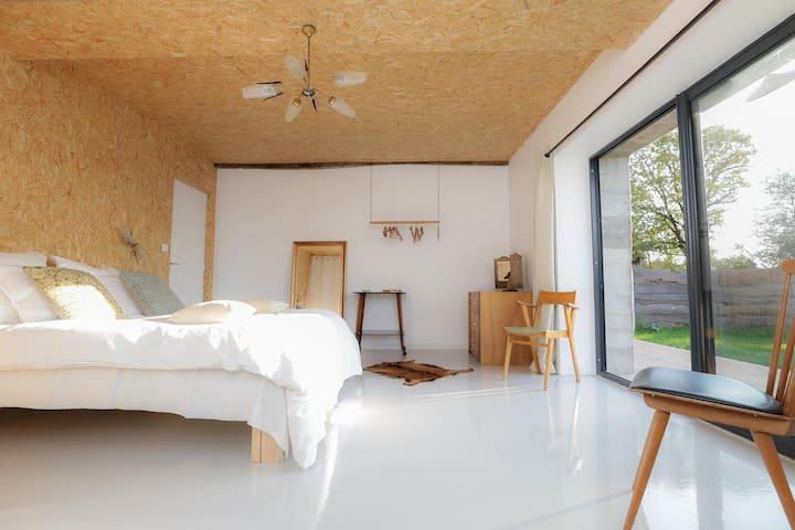 Gîte insolite,design,piscine privée,proche plages - Nieul-le-Dolent - 別荘