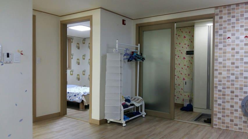 GAL25: 가족, 친구들끼리 투숙할 수 있는 아파트