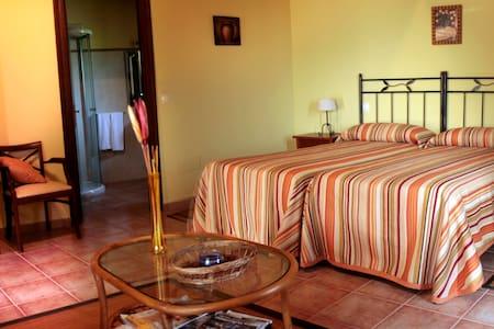 Habitacion doble con terraza - Ubiarco