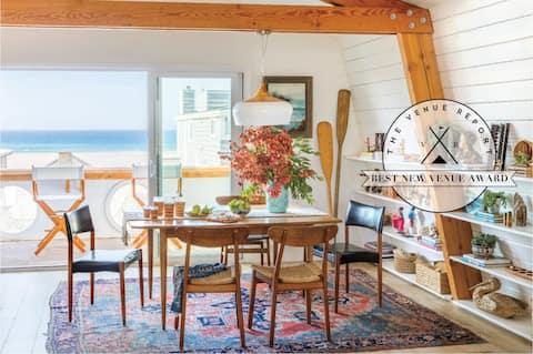 Clear Ocean & Island Views From The Beach Lodge