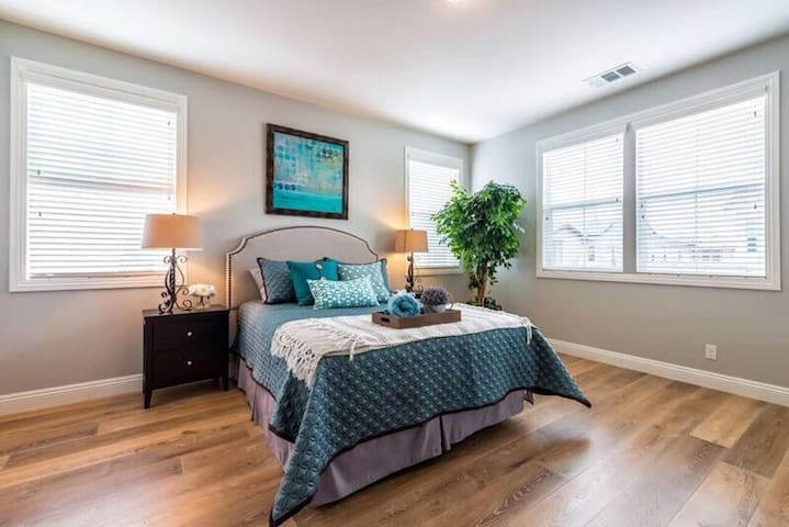 Irvine private two bedrooms with private bathroom