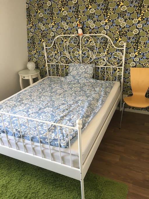 Bedroom with 160cm bed