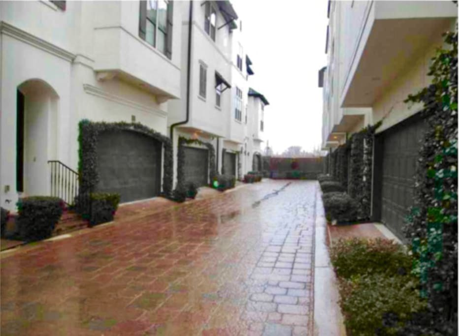 Drive right into this nice gated community home with security of being safely tucked away!