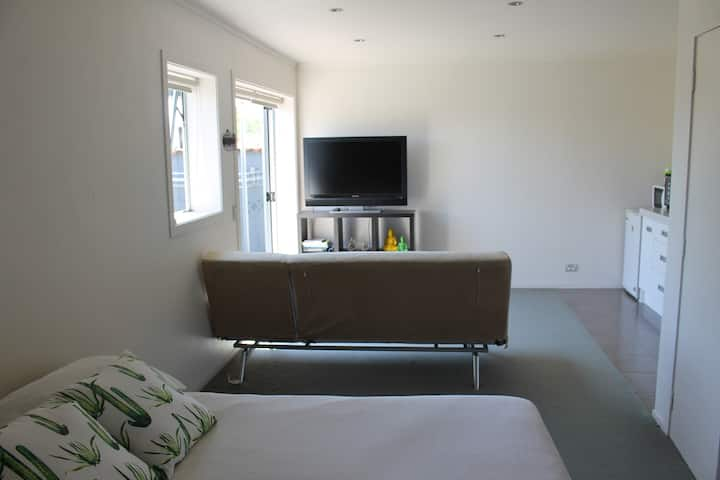 Bach on Ngaio - self contained , private & eco