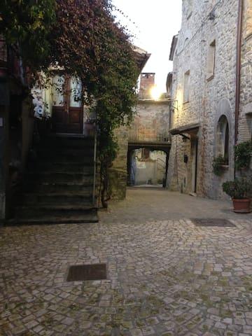 La casina del vicolo - Baschi - Rumah