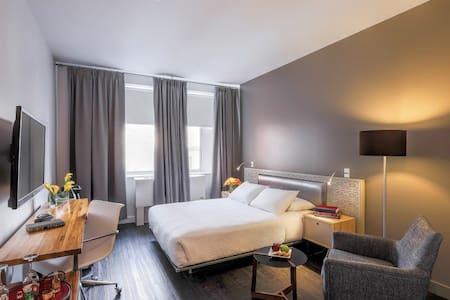 NU Hotel, Standard Queen