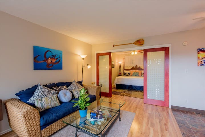 Beautiful oceanfront condo in Kailua-Kona
