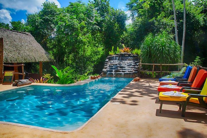 Mariposa Jungle Lodge - Family Cabana