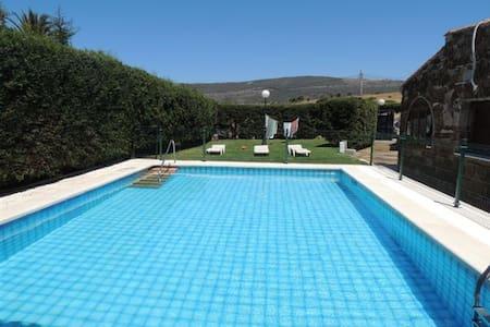 Chalet con piscina privada Bolonia. - Tarifa