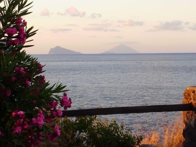 Villetta con vista mare a Vulcano ( Isole Eolie ) - ลิปาริ - ทาวน์เฮาส์