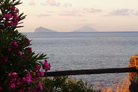Villetta con vista mare a Vulcano ( Isole Eolie ) - 利帕里 - 连栋住宅