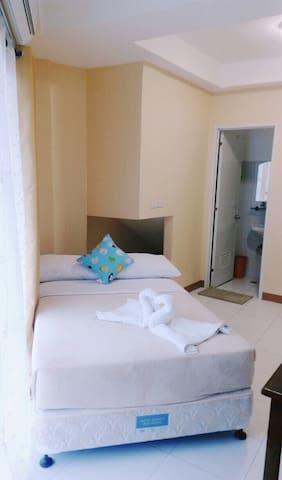 PrivateBR 2guests w/ Terrace S. 2 White Beach - Malay - Apartamento