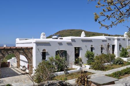 ΑΣΤΡΟΚΑΚΤΟΣ - Skalados